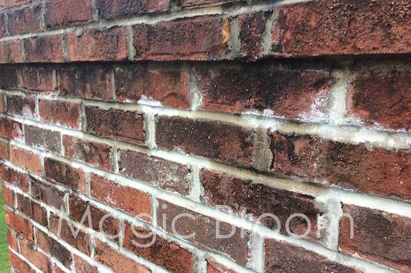 efflorescence damaged brick